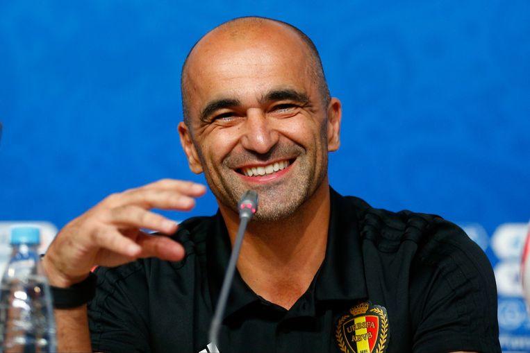 Altijd met de glimlach, Roberto Martínez maakte zelfs van de kritische pers een trouw publiek.  Beeld Photo News