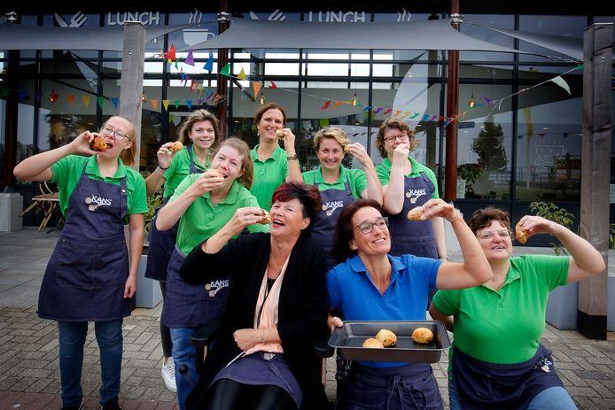Lunchroom Je Kans in Veen heeft de afgelopen maanden vele honderden Smulbollen verkocht.