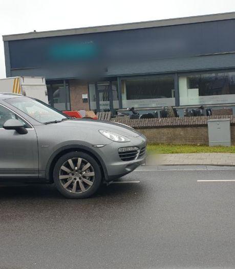 Hennepkwekerij ontdekt in bedrijfspand in Borne: eigenaar aangehouden, Porsche in beslag genomen