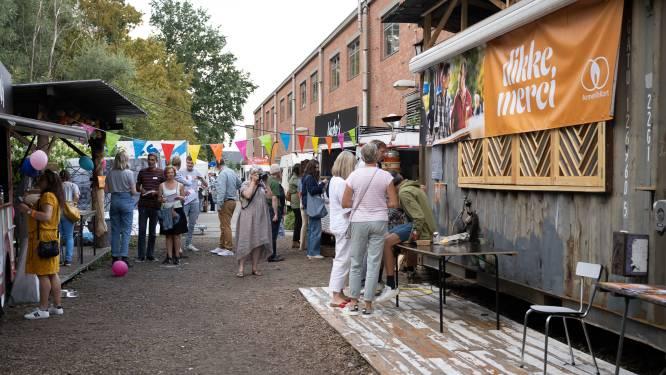 ArmenTeKort zet vrijwilligers in de bloemetjes tijdens zomerfeest