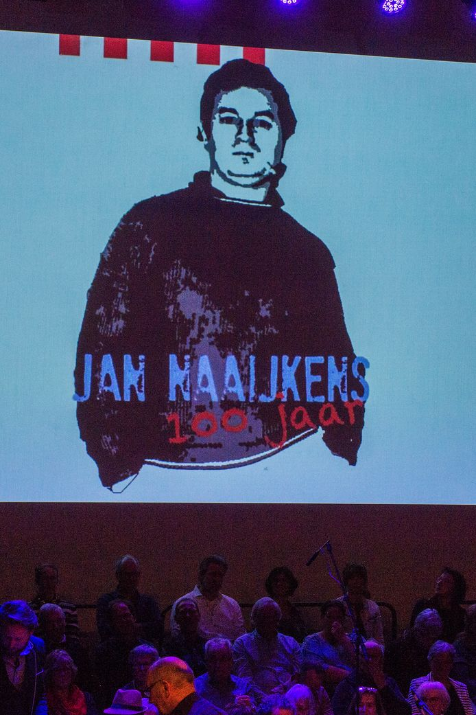 Het 'uitdagende' affiche van 'Jan Naaijkens 100'.