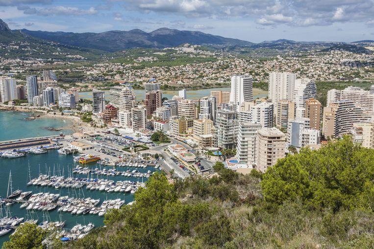 Aan de Costa Blanca staan fikse boetes op het voortijdig 'reserveren' van een strandplekje Beeld thinkstock