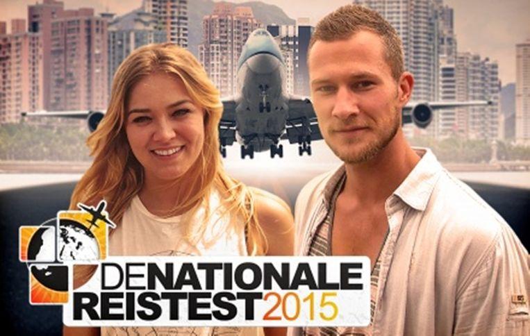 Geraldine Kemper en Dennis Storm presenteren de Nationale Reistest. Beeld bnn