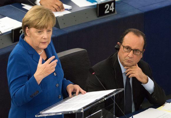 Angela Merkel en François Hollande in het Europees Parlement.