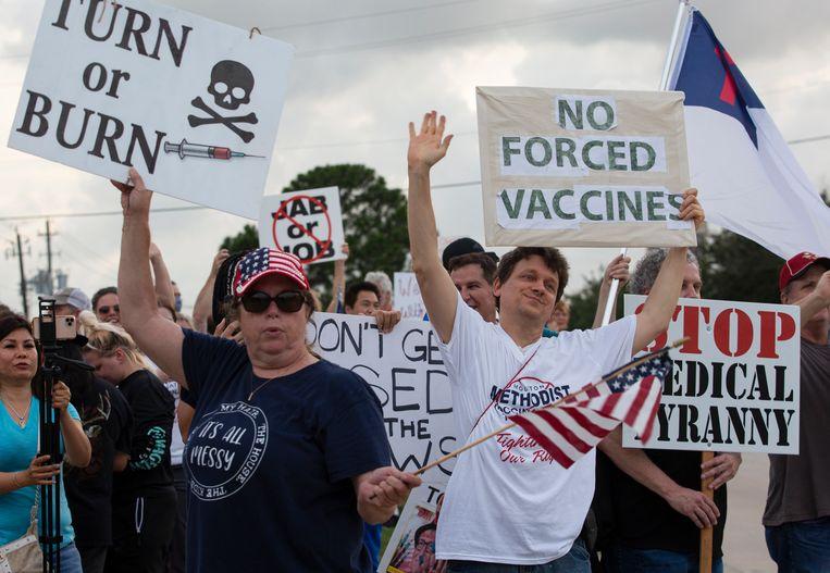 Protest tegen de vaccinatie-eis voor personeel van het Houston Methodist ziekenhuis.  Beeld AP