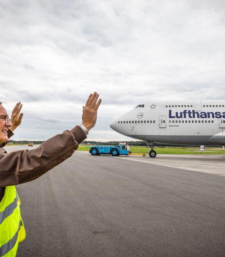 Laatste goudmijntje Boeing 747 vertrekt van vliegveld Twente: 'Hopelijk tot ziens'