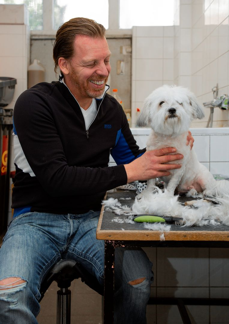Jeffrey de Vries (50) van dierenspeciaalzaak en trimsalon Cinderella Beeld Susanne Stange