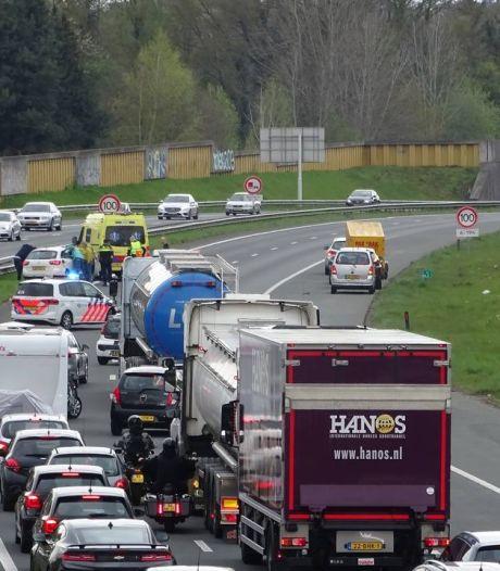 A1 weer open na botsing met drie voertuigen bij Hengelo