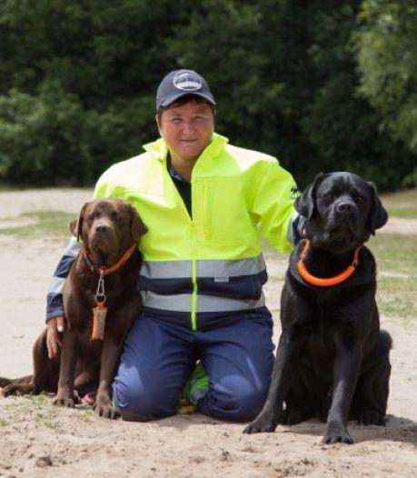 Inzet voor reddingshonden levert Karin uit Rouveen lintje op