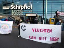 Demonstratie Extinction Rebellion op Schiphol leidt tot 7 aanhoudingen