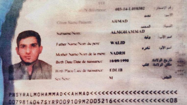 Het valse paspoort van 'Ahmad Al-Mohammad'. Beeld rv