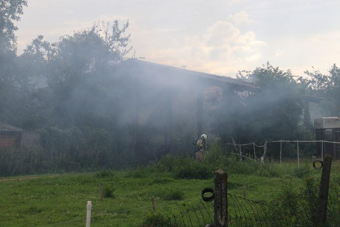 De brand ging gepaard met een aanzienlijke rookontwikkeling.