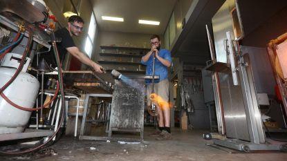 Werken bij 60 graden in glasblazerij