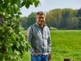 Thrillerschrijver Charles den Tex begint partij tegen windmolens in Bronckhorst: 'Er is echt met geld gesmeten'