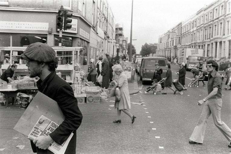 Tom Waits op Portobello Road. Beeld © Michael Putland Archive/ElliottHalls Gallery