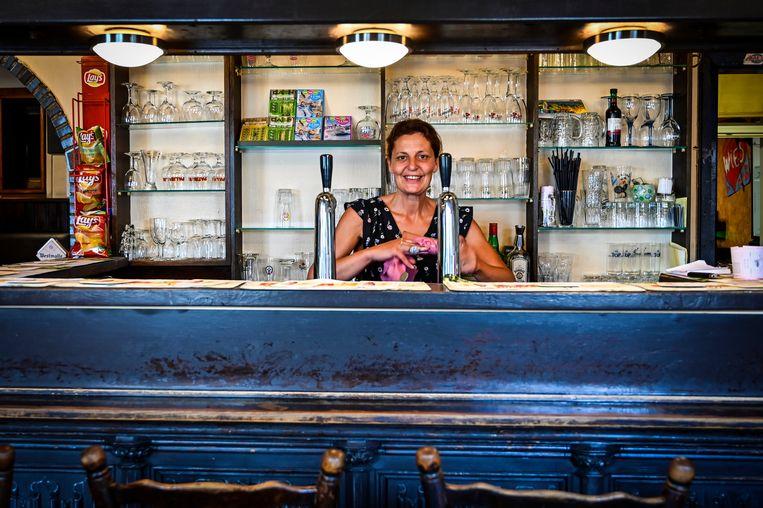 Na het afscheid van Krista, zal Conny Spaerkeer Den Dikken Eik uitbaten. Ze draait nu al wat mee in de café.