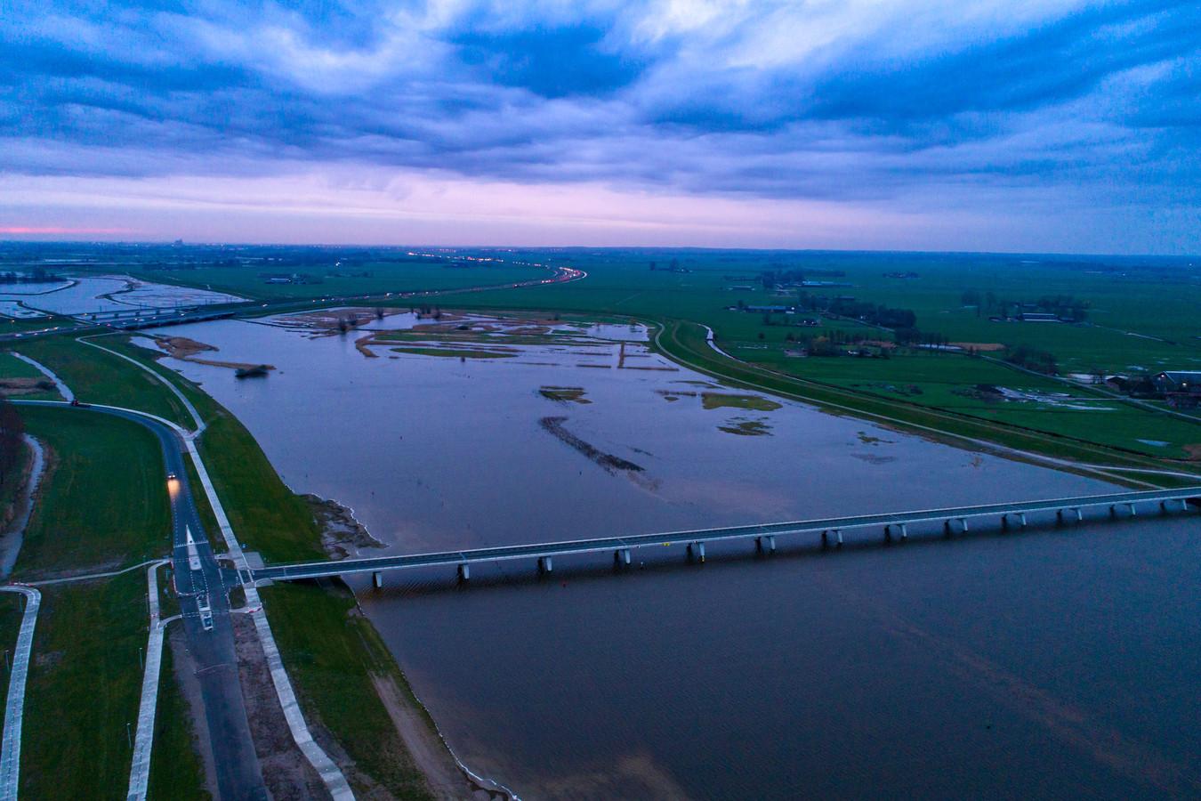 Het Reevediep bij Kampen, de nieuwe zijarm van de IJssel die uitmondt in het Drontermeer.