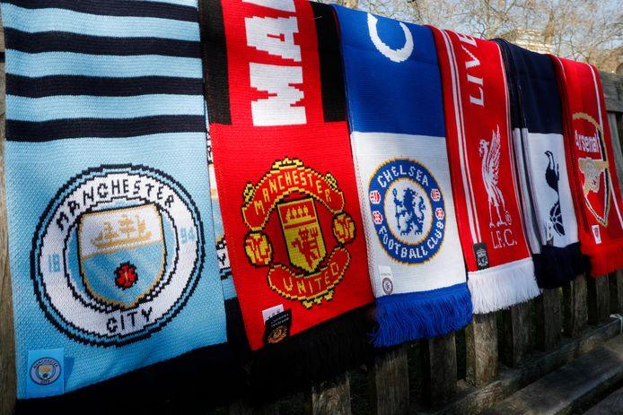 De sjaals van de zes Engelse clubs.