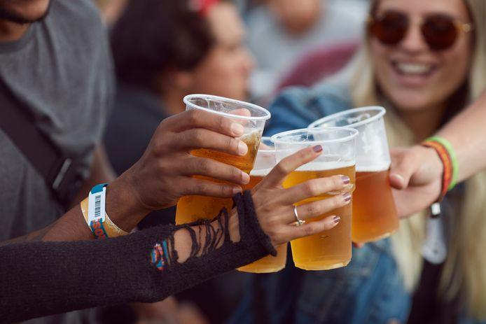 En Belgique, la consommation excessive d'alcool reste un problème de santé publique majeur, affirment la Commission européenne et l'OCDE dans un rapport