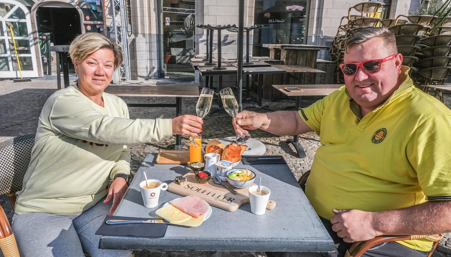 Eet- en bierhuis Souffleur op het Schouwburgplein is er klaar voor. Daar pakken ze zaterdagochtend met een ontbijt uit.