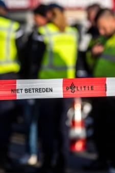 Schoten gelost op groep mannen in Rotterdam; Schiedammer (21) raakt ernstig gewond