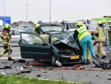 Twee gewonden bij zware botsing op A58 bij Oost-Souburg