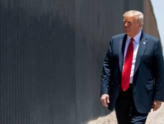 """Trump schept op over zijn veelbesproken muur: """"Heel effectief tegen Covid-19"""""""