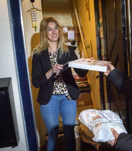 Christine uit Warnsveld heeft eigen ophaalpunt voor pakketjes: 'Iedereen kan het'
