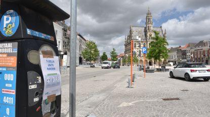 """Opgelet: parkeren in centrum Oudenaarde vanaf vandaag plots niet meer gratis: """"We moeten de circulatie op parkeerplaatsen verzekeren"""""""