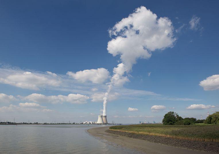 Kerncentrale in Fort Lillo, Haven van Antwerpen, België. Beeld FlickrVision