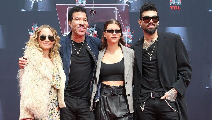 Le chanteur Lionel Richie et ses trois enfants, Nicole, Sofia et Miles
