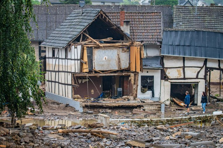 Huizen werden vernield. Beeld Getty Images