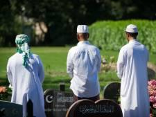 Uitblijven van oplossing voor moslimdoden leidt tot frustratie bij moskeeën: 'Houden ons fopspeen voor'