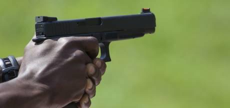 Man trekt vuurwapen in Oss en wordt aangehouden bij veerpont Megen