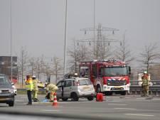 A2 deels afgesloten door ongeluk bij Breukelen, zeker één gewonde