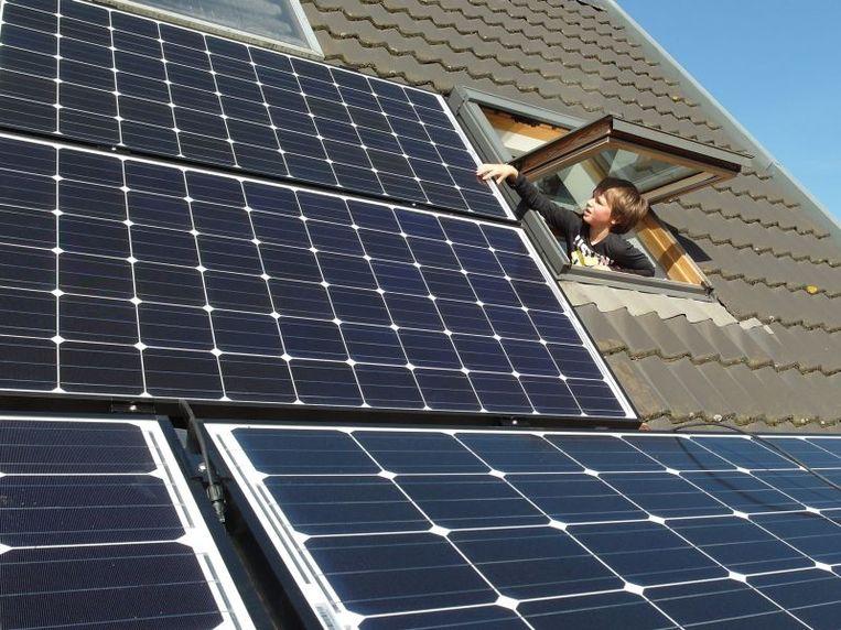 Het is nog altijd de moeite om zonnepanelen te (laten) plaatsen.