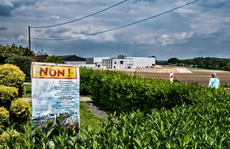In de buurt van de ontwikkelingssite van Clarebout duikt deze affiche overal op. Beeld Tim Dirven