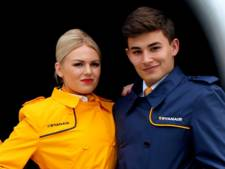 'Stewardessen Ryanair gestraft als ze niet genoeg krasloten verkopen aan boord'