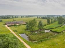 'De mooiste boerderij op de mooiste plek van heel Zeeland' is te koop