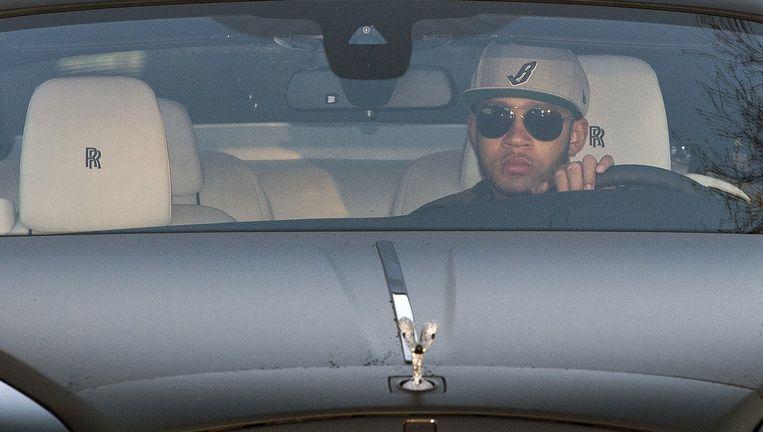 Memphis Depay arriveert per Rolls Royce op de training van Manchester United, 23 december. Beeld afp