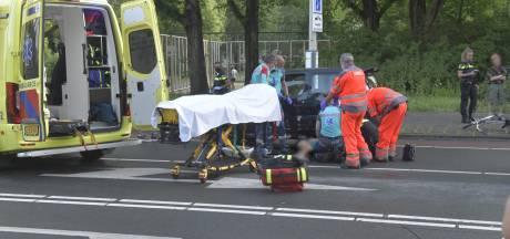 Fietser zwaargewond bij aanrijding Stadhoudersplantsoen, traumateam rukt uit