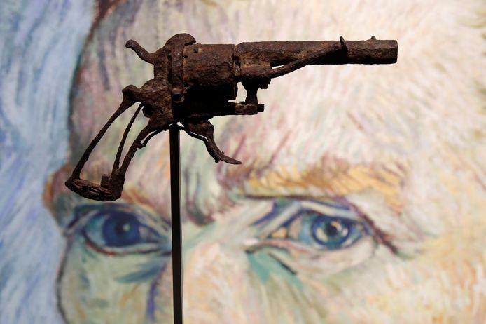 Het wapen, hier tentoongesteld in het Franse veilinghuis, een dag voor de verkoop.