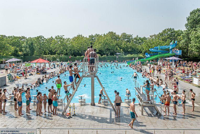 Veel volk aanwezig tijdens de warmste dag van het jaar.