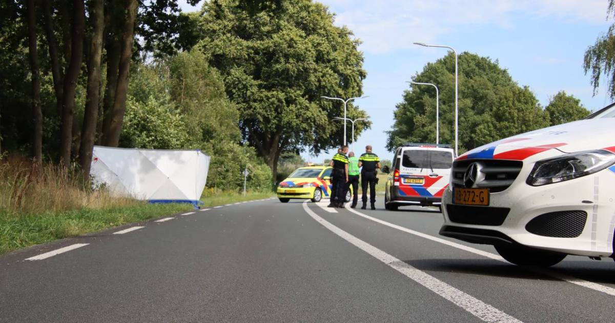 Motorrijder overleden bij aanrijding in Neede; fietser zwaargewond.
