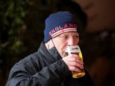 LIVE | Engelsen mogen weer naar de pub, maar situatie bij ons nog 'onverantwoord'