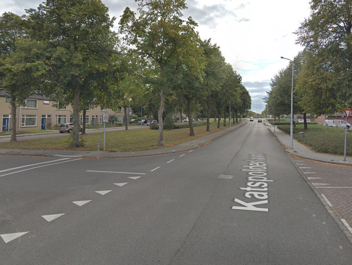 De kruising Katspolder en Van Kinsbergenlaan.
