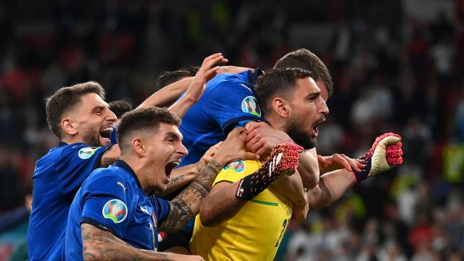 Vriendenploeg van Mancini zorgt voor volksfeest in Italië: 'Ik had nog wat geluk tegoed'