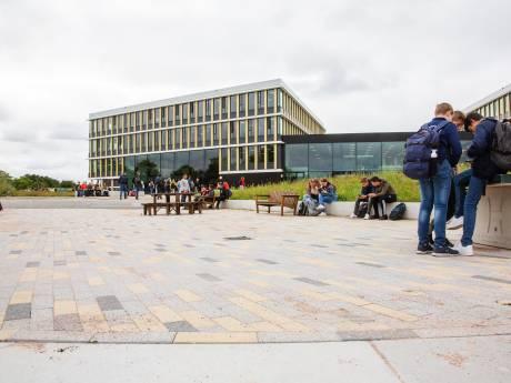 Vechtpartijen en veel lesuitval op gloednieuwe campus in Lelystad: 'Iedereen moet wennen'