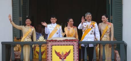 Le roi de Thaïlande impose un changement capillaire radical à sa fille