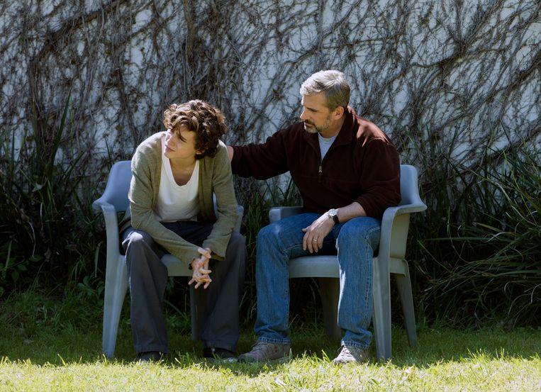 Timothée Chalamet en Steve Carell in 'Beautiful Boy'. Beeld AP